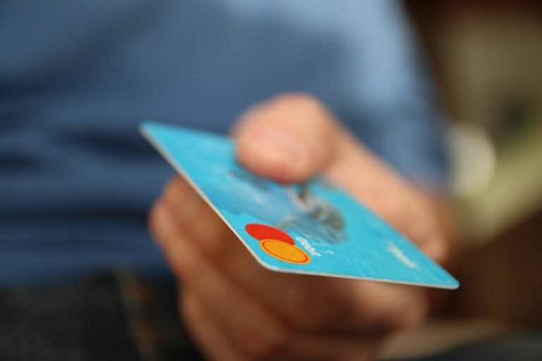 Jak zvýšit tržby ve Vašem podniku? Nechte zákazníky platit kartou!